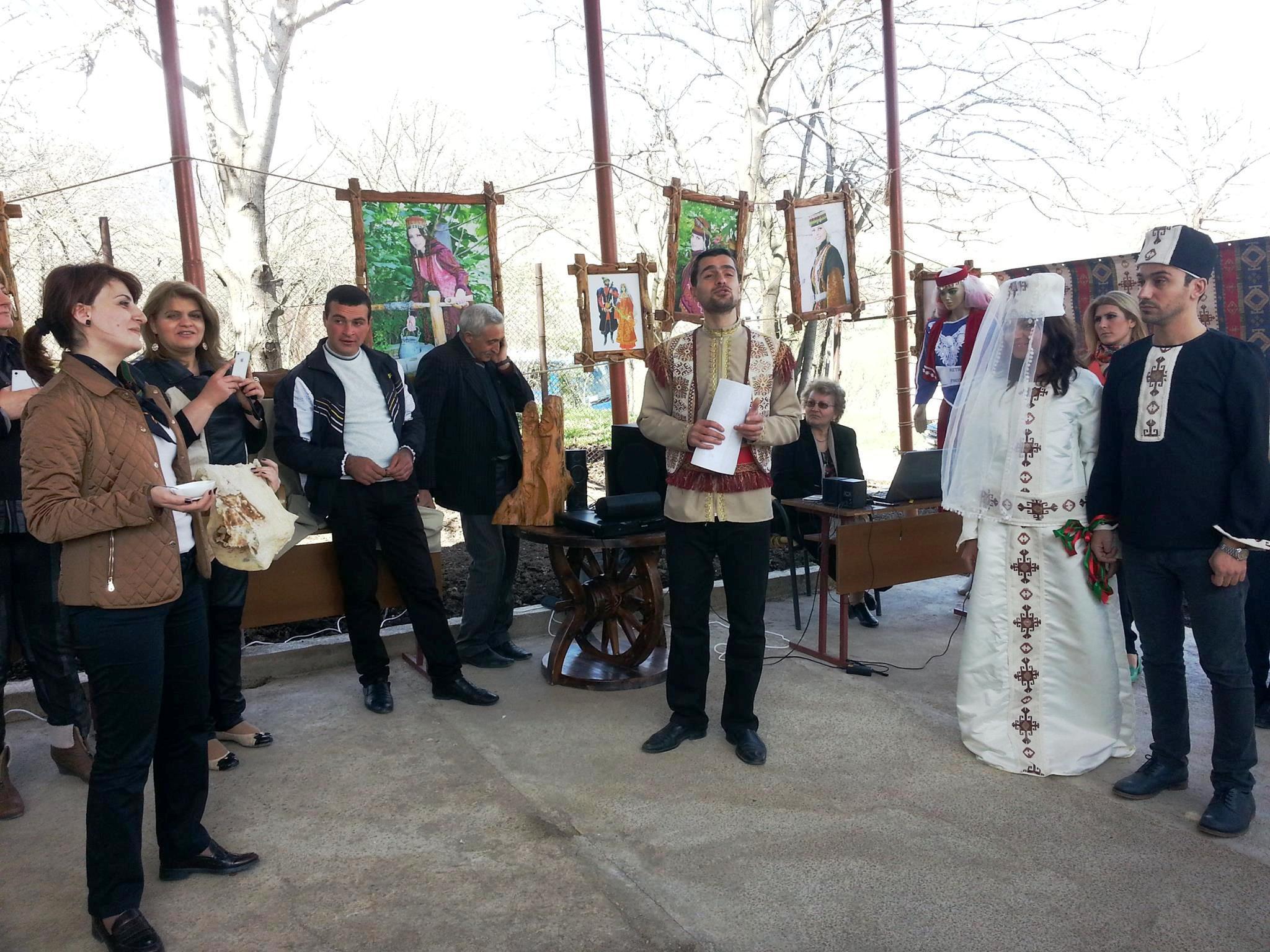 Постановочная армянская свадьба