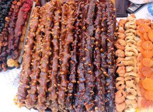 Суджух - грецкие орехи на нитке в фруктовой глазури